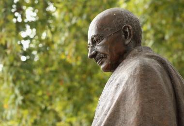 statue of Mahatma Gandhi in London